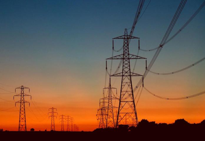 Powerlines-696x479