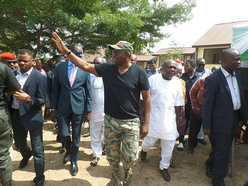 By wearing army fatigue at budget presentation Fayose is challenging President Buhari's authority–APC
