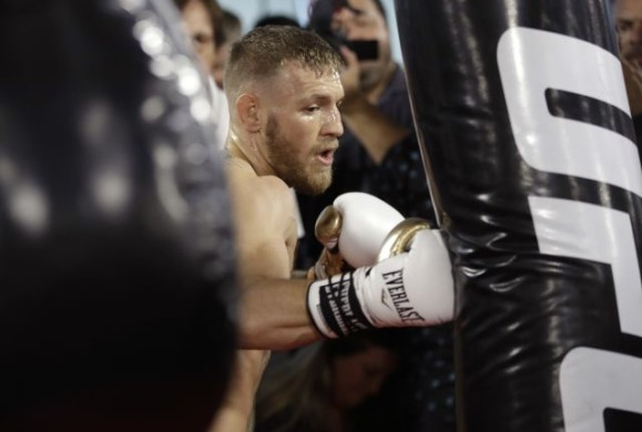 Doctors fear for Conor McGregor's safety in Floyd Mayweather fight