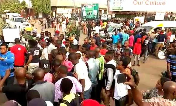 "Benue Boiling Again: ""Army Intervenes As Youths Protest Arrest Of Suspected Cattle Rustlers"""